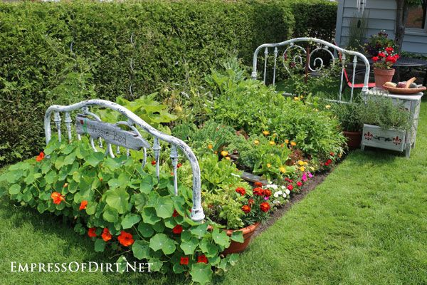 Inspiring vegetable garden bed designs plans for Vegetable garden bed design