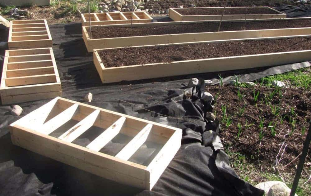 timbers ideas size a build legs bed bricks wood with simple fall full inexpensive garden sleepers landscape pallets to beds how raised cinder blocks diy
