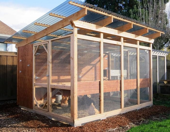 Fantastic chicken coops free plans ideas family food for Large chicken house