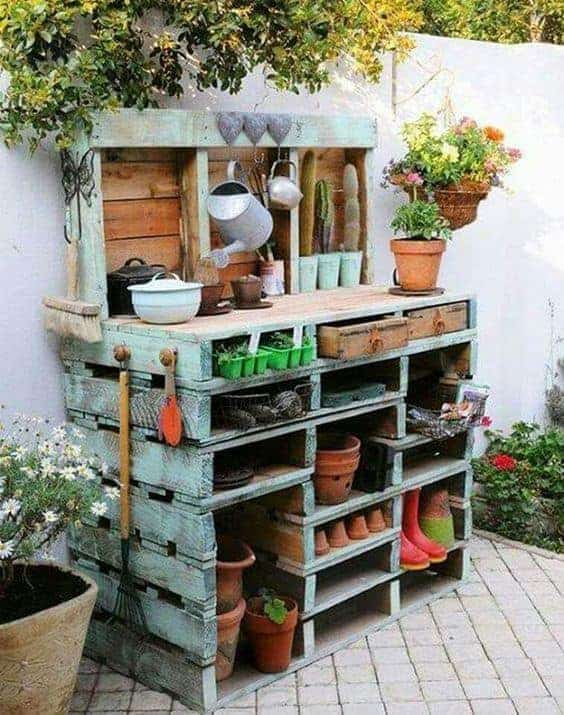 Upcycled potting bench with pallets