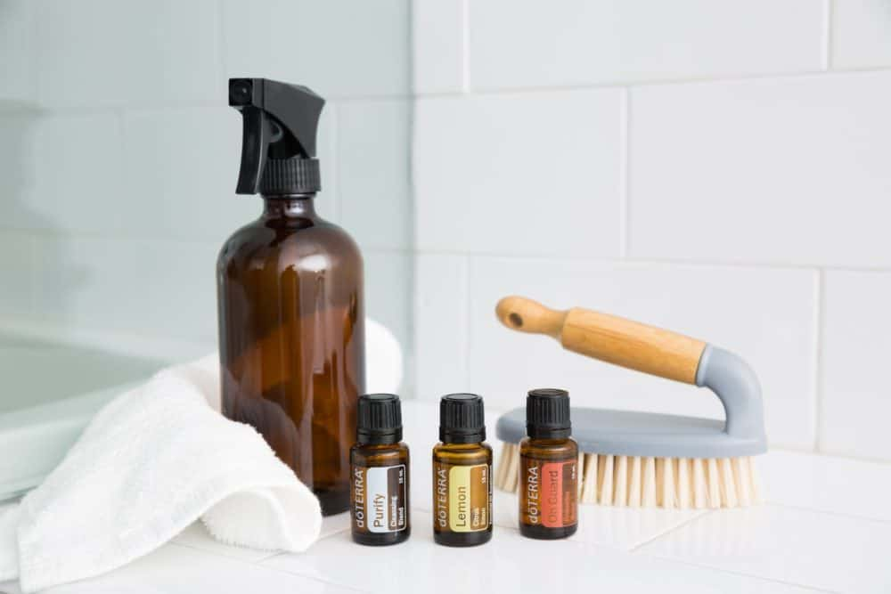 Best essential oils for cleaning and homemade recipes