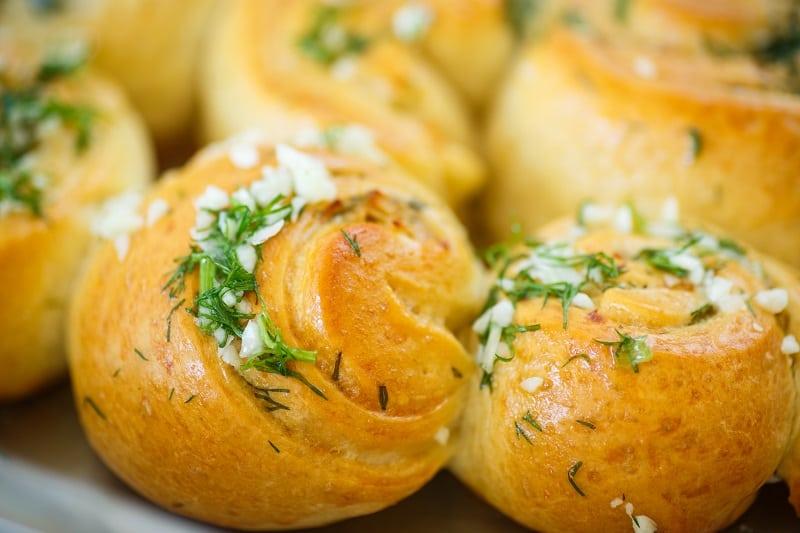 Garlic Dill Dinner Rolls